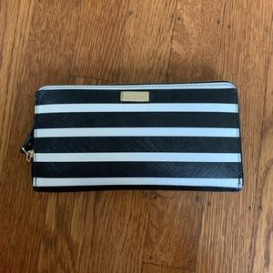 Black and White Kate Spade Wallet